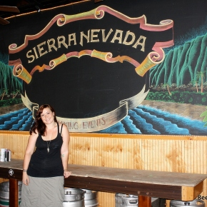 Beer Art – Honolulu's Chalkboard Queen Erin Mauro
