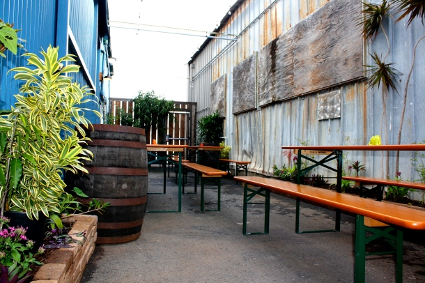 Honolulu Beerworks Beer Garden