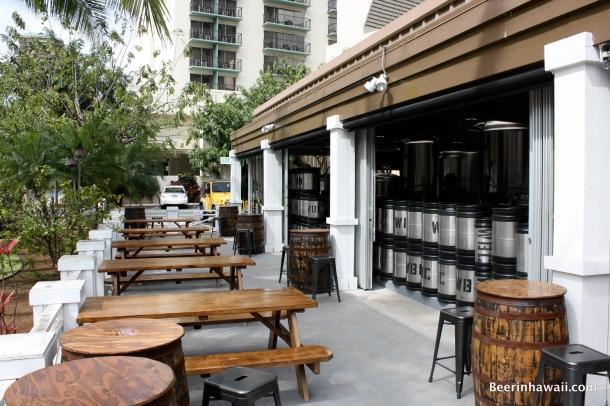 Waikiki Brewing Company outdoor seating