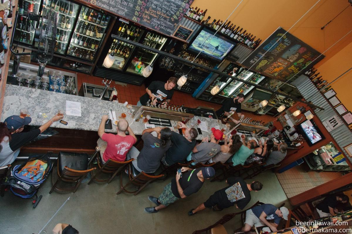 Zwanze Day 2015 Honolulu Real A Gastropub the bar
