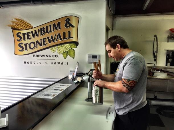 Darren Garvey Stewbum and stonewall brewing hawaii tasting room