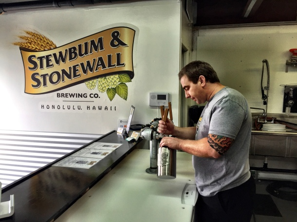 Darren Garvey Stewbum and stonewall brewing hawaii tasting room